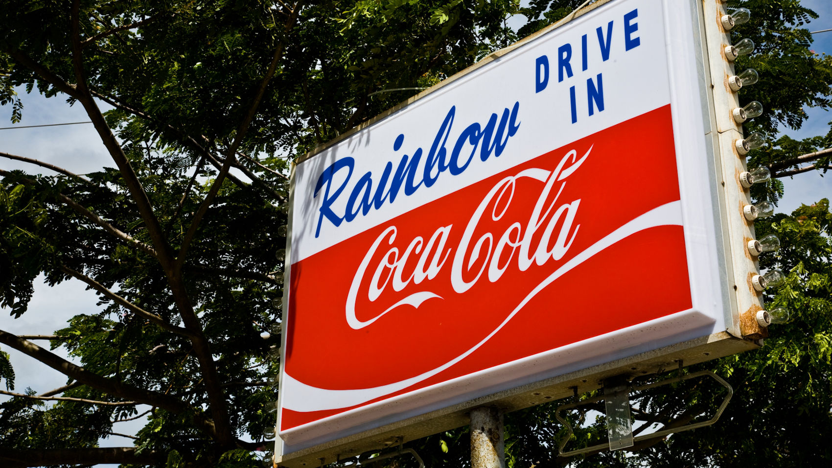 rainbow-drive-in